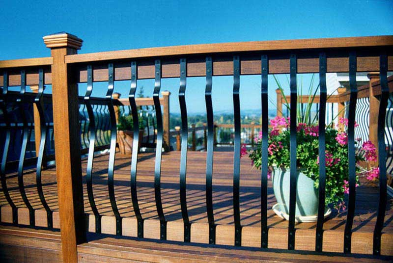 ... Ornamental Aluminum And Wood Deck Railing ...
